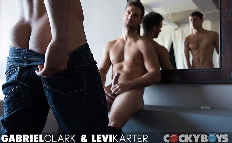 gabriel_clark_fucks_levi_karter-1